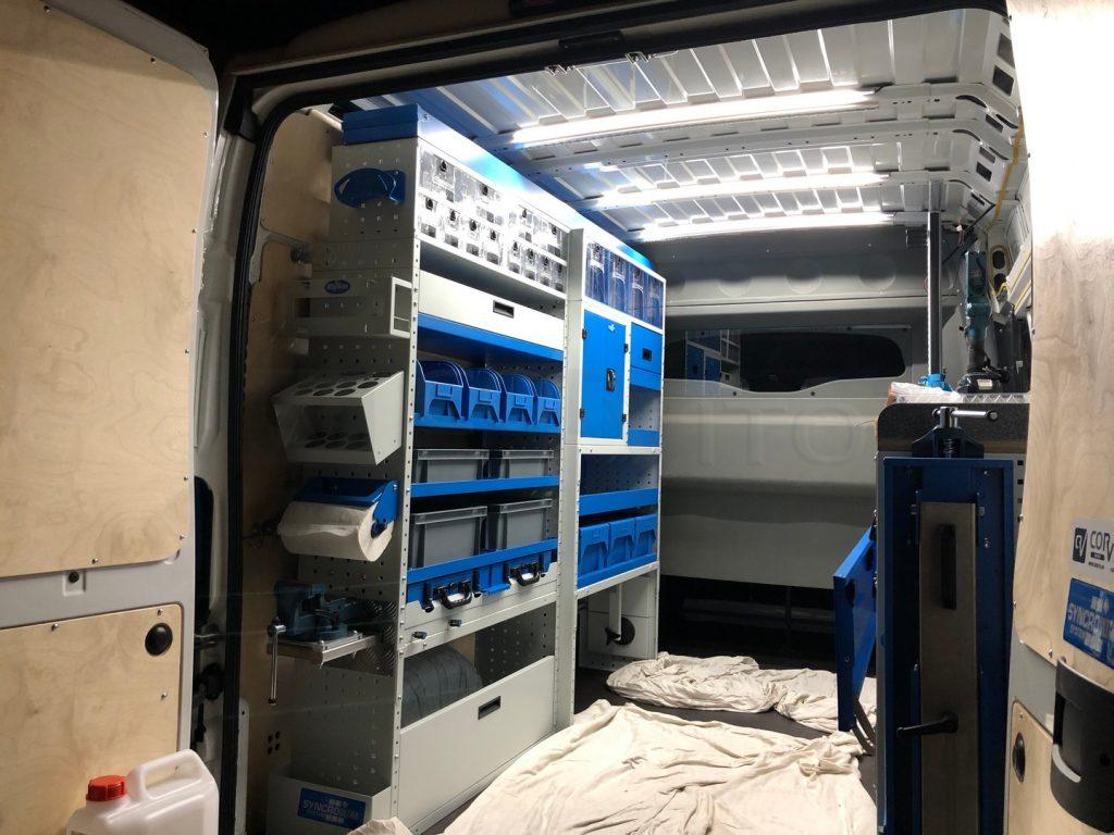 Demo vozilo - LED rasvjeta s prekidačima na dodir